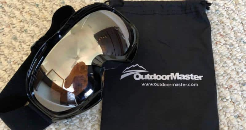 outdoormaster ski goggles with carrying case